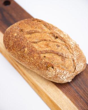 לחם מחמצת אגוזים